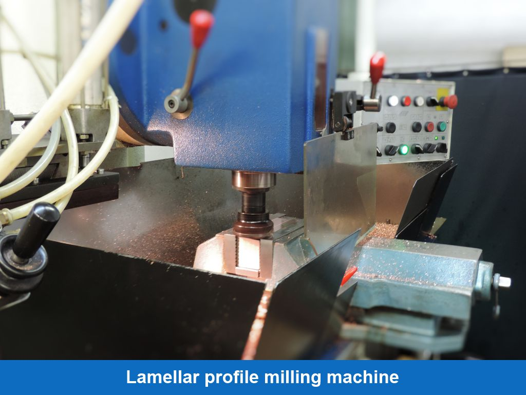 Lamellar profile milling machine