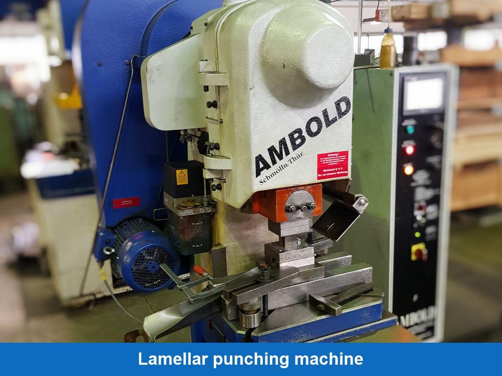 Lamellar punching machine