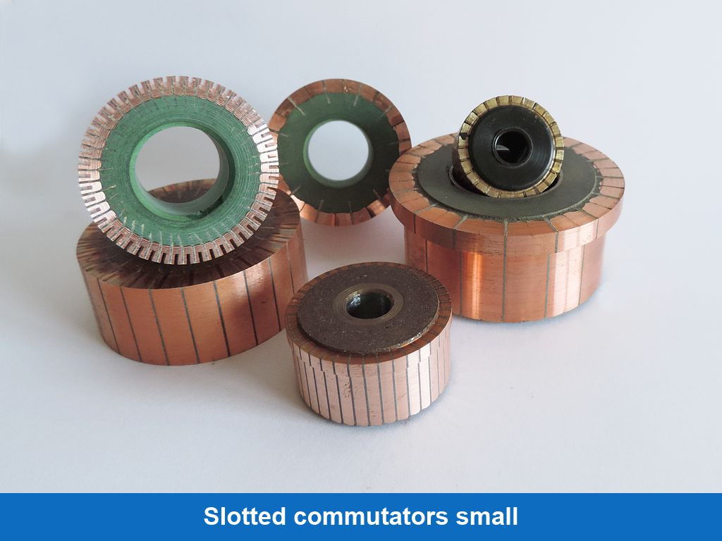 Slotted commutators small